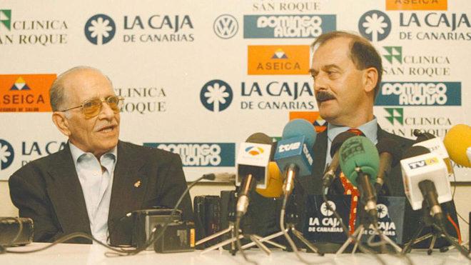 Fernando Arencibia junto a Sergio Kresic en una rueda de prensa.