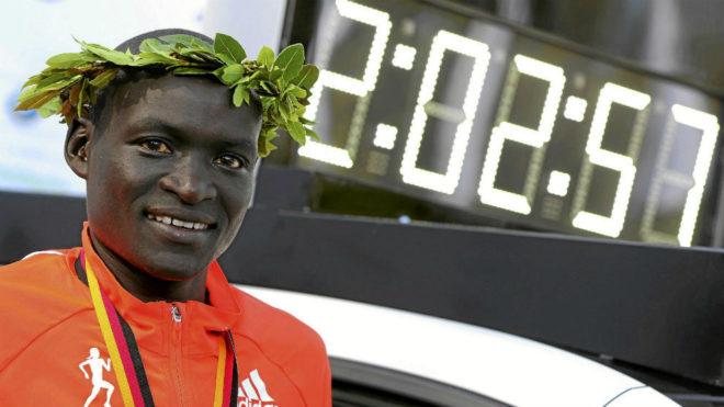 Dennis Kimetto, actual plusmarquista mundial del maratón conn...