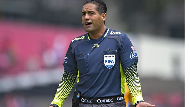 Roberto García, durante un partido de la Liga MX.