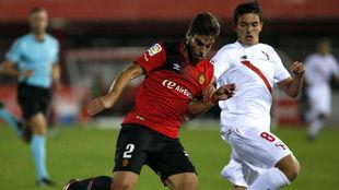 Company durante el partido de esta temporada ante el Sevilla...