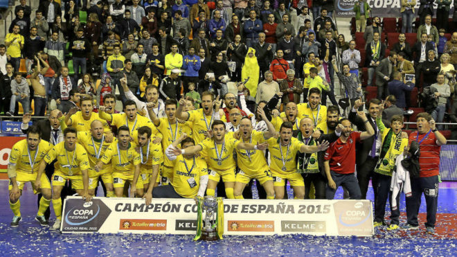 Los jugadores del Jaén Paraíso Interior celebran el título de Copa...