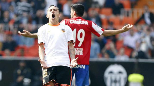 Munir evita la catástrofe en Mestalla