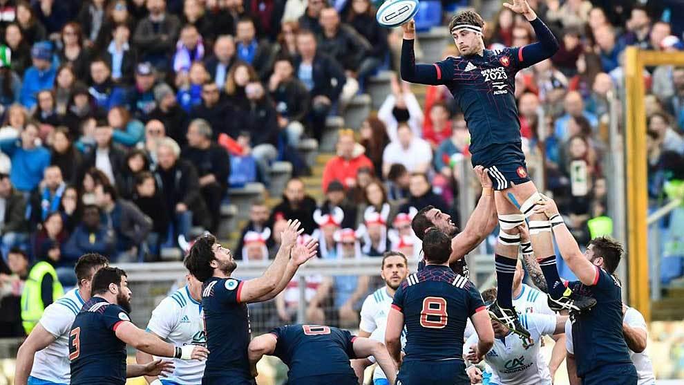 El segunda francés Julien Ledevedec conquista una 'touche' durante el...