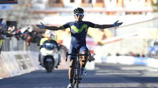 Nairo Quintana celebra su victoria en la etapa.