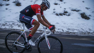 Alberto Contador durante la �ltima subida de la etapa reina.