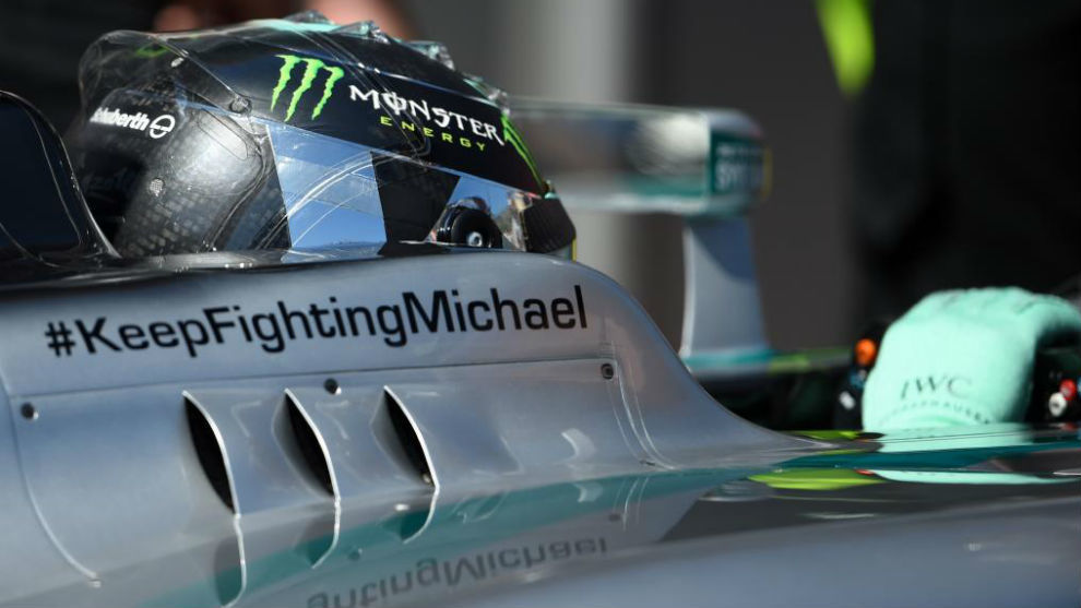 Nico Rosberg, luciendo el lema #KeepFightingMichael
