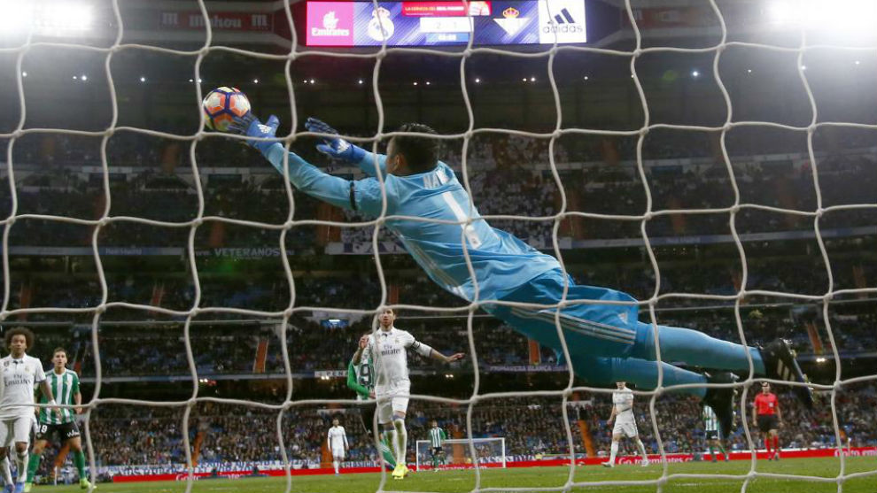 Keylor Navas evitó el empate del Betis en el Bernabéu