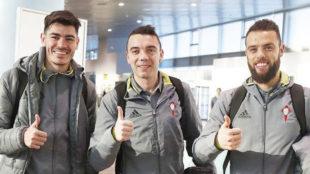 Jozabed, Iago Aspas y Sergio �lvarez posan sonrientes durante su...