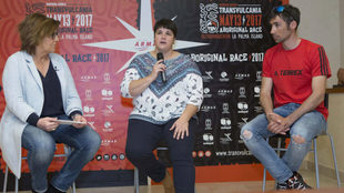 María Escario, Ascensión Rodríguez y Luis Alberto Hernando durante...