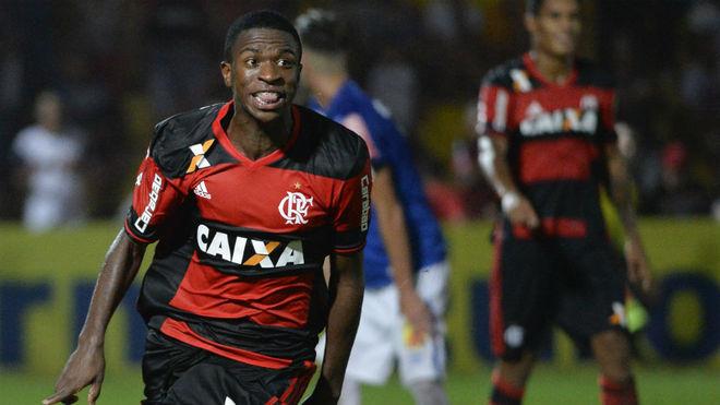 VInicius, celebrando un gol con el Flamengo.