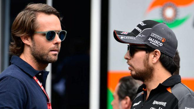 Andy Soucek y Sergio Pérez, durante el GP de Bélgica de 2015.