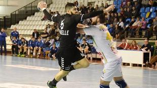 Iván Amarelle durante un partido ante el Puente Genil