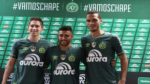 Follman, Ruschel y Neto, los tres supervivientes, con la nueva...