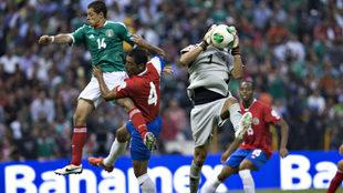 El Tri y Costa Rica durante las eliminatorias rumbo a Brasil 2014