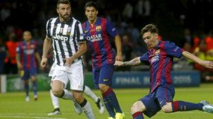 Messi, en la final de la Champions de 2015, con Barzagli y Su�rez.