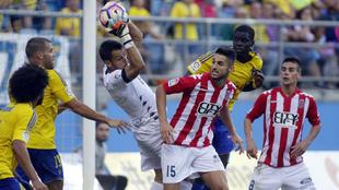 Cádiz y Girona no pasaron del empate sin goles en el Carranza en  la...