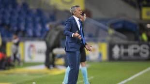 Setién grita durante el partido de la UD contra el Villarreal.