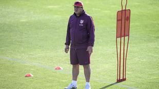 """""""Mono"""" Burgos, en un entrenamiento con el Atlético."""
