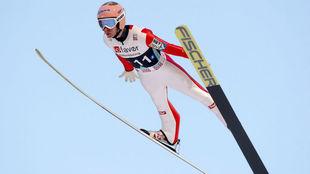 El austriaco Stefan Kraft, en la competición en la que batió el...