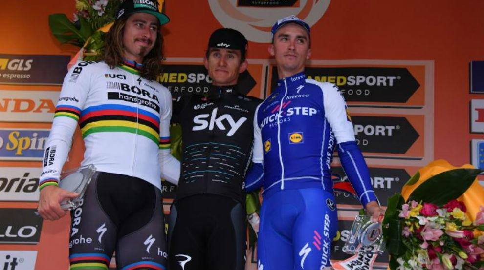 El podio final de la Milán-San Remo 2017 con Kwiato, Sagan y...