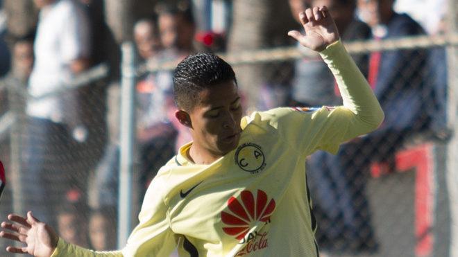 Torres no pudo debutar en la Liga MX ante los Pumas.