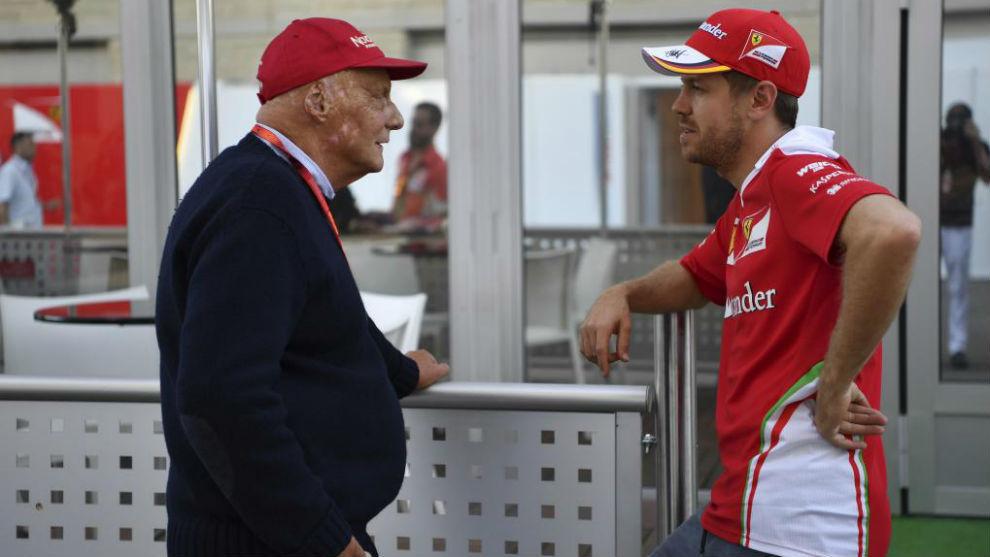 Niki Lauda junto a Sebastian Vettel