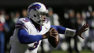 EJ Manuel en un juego de temporada con los Bills.