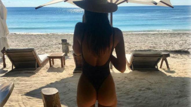 Mexico beach ratajkowski emily Emily Ratajkowski