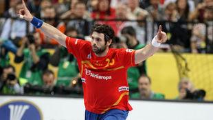 Antonio García, en un partido con la selección española.