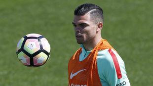 Pepe, hoy, durante el entrenamiento con Portugal.