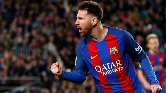 Messi celebra uno de sus tantos ante el Valencia