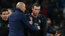 Zidane y Bale, al t�rmino del partido ante el N�poles.