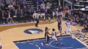 El robo de Ricky Rubio (Timberwolves) a Pau Gasol (Spurs)