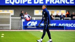 Mbappé. en el entrenamiento del miércoles con la selección...