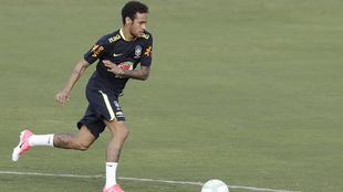 Neymar Júnior, con la responsabilidad de llevar su buen fútbol a...