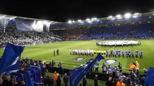 Leicester y Sevilla posan en el King Power Stadium.