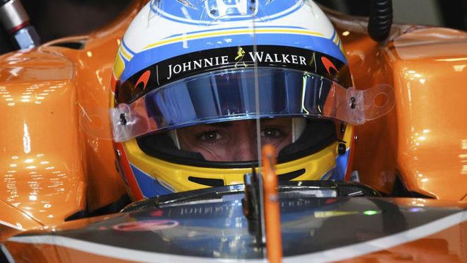 Alonso, en su McLaren MCL32.