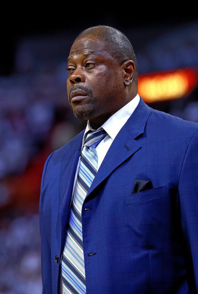Patrick Ewing como entrenador asistente de los Charlotte Hornets