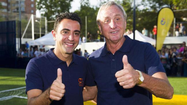 Xavi Hernández y Cruyff, en una imagen de archivo.