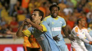 Maksimovic clebra un gol con el Astana.