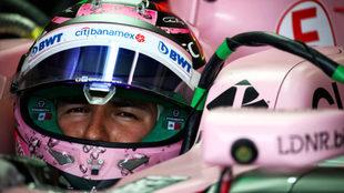 Sergio Pérez, a los mandos de su Force India en Albert Park.