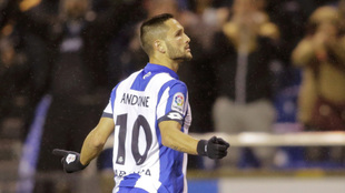 Florin Andone celebra un gol