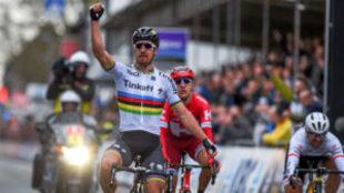 Peter Sagan celebrando su triunfo del año pasado en la...