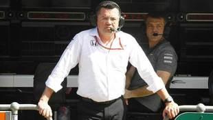 Eric Boullier, en el 'muro' de McLaren en el circuito de...