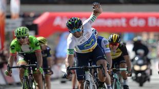 Alejandro Valverde celebrando su tercer triunfo de etapa y la general...