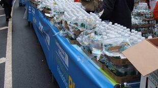 Un puesto de bebidas en el maratón de Nueva York.