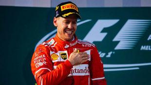 Vettel, en el podio de Albert Park.