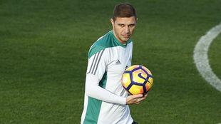 Joaquín, en un entrenamiento reciente del Betis.