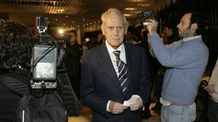 Hugo Galera, ,llegando a una Junta de Accionistas del Betis