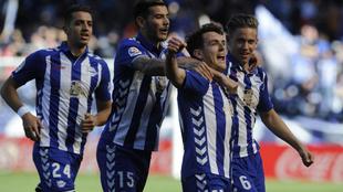 Feddal, Theo, Llorente e Ibai, celebran el gol de éste último.